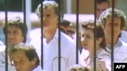 Shqipëri: 20 vjet nga hyrja masive në ambasada