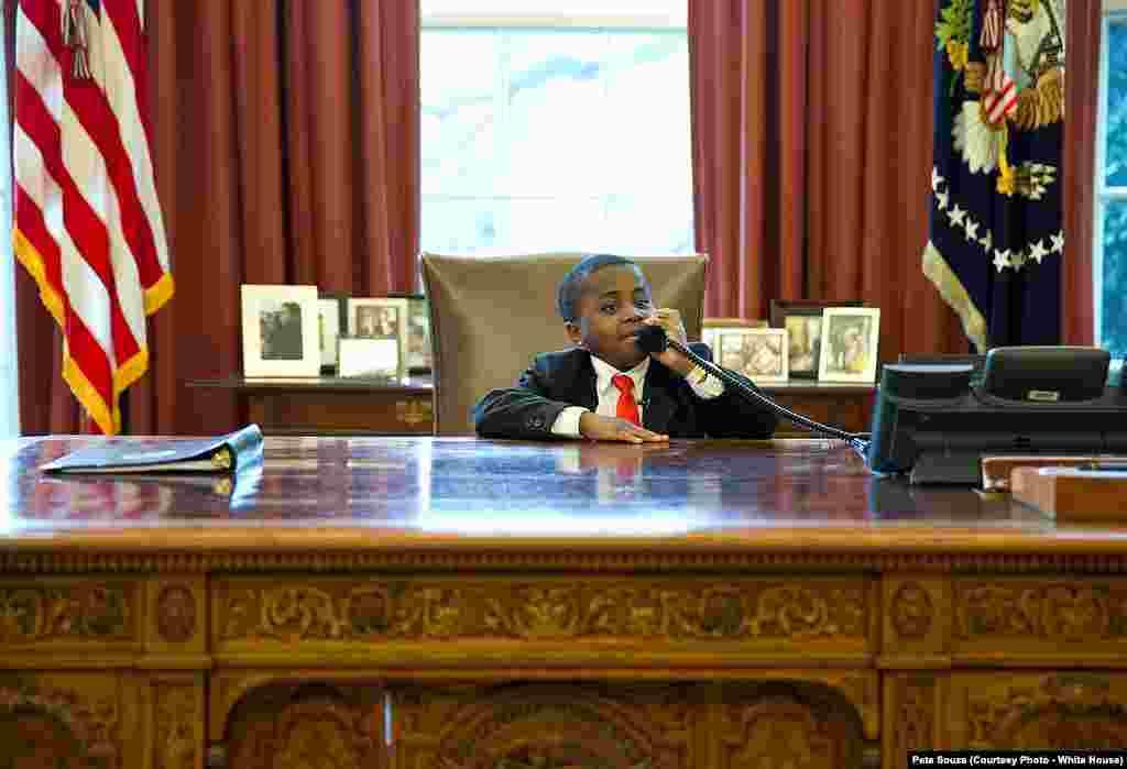 """Robby Novak, connu sous le nom de """"l'enfant président"""" est invité à la Maison Blanche à Washington DC, le 1er avril 2013."""