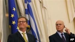 Ο Υπουργός Εξωτερικών της Γερμανίας, Γκίντο Βεστερβέλε, με τον Έλληνα ομόλογο του, Σταύρο Δήμα