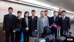 북한 농아인 대표단이 26일 독일 프랑크푸르트 국제공항에 도착했다.