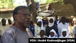 Mahamat Nour Ibédou secrétaire général de la convention tchadienne pour la défense des droits humains, N'Djamena, Tchad, 20 juin 2018. (VOA/ André Kodmadjingar)