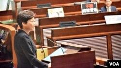 香港特首林鄭月娥出席立法會施政報告答問會。(美國之音湯惠芸)