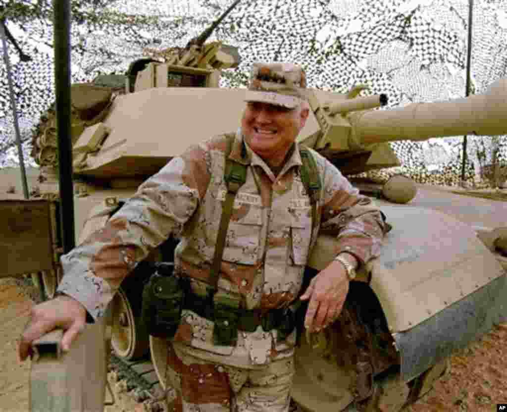 General Norman Schwarzkopf, comandante das tropas que, na Guerra do Golfo de 1991, expulsaram do Kuwait as tropas iraquianas que tinham invadido o país no ano anterior.