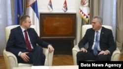 Predsednik Srbije Tomislav Nikolić razgovara sa predsednikom Demokratske stranke Draganom Djilasom o nacrtu platforme za rešenje problema Kosova