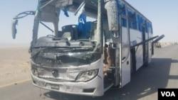 在巴基斯坦西南部俾路支省查查蓋縣一輛載有中國工程人員的大巴受到自殺式炸彈攻擊。(2018年8月11日)