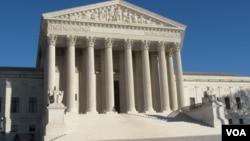 资料照:美国联邦最高法院 (美国之音王南拍摄)