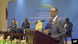 Rwandan President Paul Kagame speaks to leaders and dignitaries in Kigali, Rwanda, Nov 9, 2011