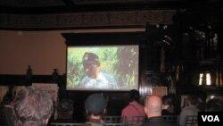 Pemutaran film 'Aroma of Heaven' atau 'Biji Kopi Indonesia' arahan sutradara Budi Kurniawan bertempat di KBRI Washington DC (VOA/Eva).