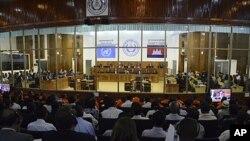 11月21日位于金边郊区的法庭开庭审判前红色高棉领导人