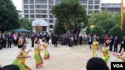 Tari Bali memeriahkan acara di halaman KBRI Washington DC, Kamis (25/9).