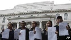 Các nhà báo Philippines biểu tình chống Đạo luật về tội phạm trên mạng tại Manila, ngày 3/10/2012