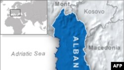 Arnavutluk'ta Geçen Ayki Gösterilerle İlgili Olarak İki Subay Tutuklandı