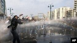 البرادعی: مردم مصر خود به مشکلات شان رسیدگی خواهند کرد