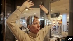 미국 공항의 보안검색 장면