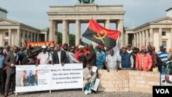 ex trabalhadores da RDA manifestam-se em Berlim
