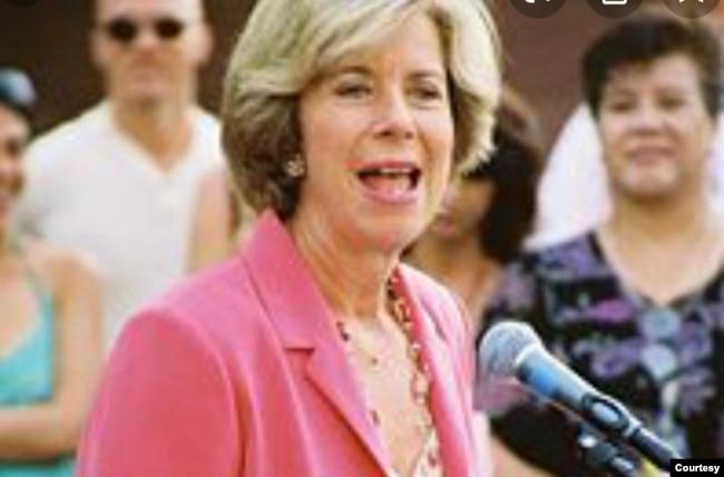 洛杉矶县政委员詹尼斯·韩(Janice Hahn)。(维基百科资料)