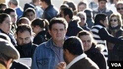 El desempleo es uno de los principales problemas que ha generado el enlentecimiento de la economía española.