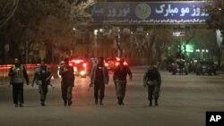 پولیس کابل در حال گزمۀ هوتل کابل سرینا که یکبار دیگر شام امروز هدف تهاجم مردان مسلح قرار گرفت.