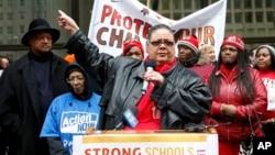 芝加哥教师工会主席凯伦·路易斯(资料图)