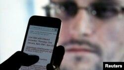 """Edvard Snouden 23-yanvar kuni internet orqali """"Twitter"""" foydalanuvchilari bilan muloqot o'tkazdi."""