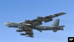 Model pesawat hipersonik X-51A Waverider yang diterbangkan pada 2008. (Foto: AP)