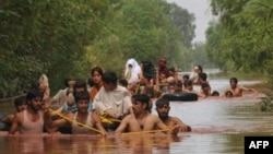 7月30日巴基斯坦洪灾难民