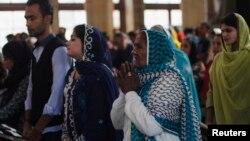 파키스탄 카라치의 세인트 앤드류 교회에서 기독교인들이 예배를 드리고 있다. (자료사진)