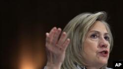 美国国务卿克林顿3月2日出席参议院外交委员会的听证会