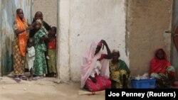 Quelques femmes dans la région de Kolofata, Cameroun, 16 mars 2016.
