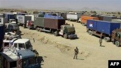 Xe tải của NATO ở Pakistan