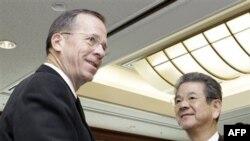 Phát biểu tại Tokyo, Đô đốc Mike Mullen cho rằng việc thiếu các tiếp xúc quân sự trực tiếp là 'một trong những phần khó khăn nhất' trong mối bang giao Hoa Kỳ - Trung Quốc.