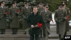 Rusya Cumhurbaşkanı Dimitri Medvedev, Kafkaslar'daki bazı liderlerin eksikliklerini kabul ediyor