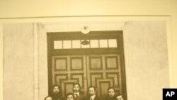 孫中山(前排中)就任中華民國臨時大總統歷史性一刻