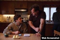 «کیسی افلک» بازیگر، و «کنت لانگرن» کارگردان فیلم «منچستر ساحلی» (c) Roadside Attractions / Amazon Studios