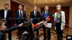 Učesnici mirovnih razgovora u Minsku u Belorusiji, 20. septembar 2014.