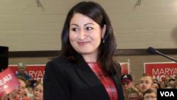مریم منصف لومړنۍ مسلمانه مهاجره ده چې د کاناډا د پارلمان د غړې او وزیرې په توگه ټاکل شوې.