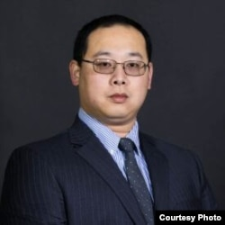 葉耀元,美國德州聖湯瑪斯大學國際研究中心政治學助理教授兼代理系主任
