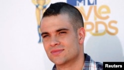 Aktor Mark Salling dari serial TV 'Glee' tiba di acara MTV Movie Awards 2010 di Los Angeles. (Reuters/Danny Moloshok)
