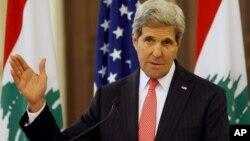존 케리 미국 국무장관이 4일 레바논 베이루트에서 열린 기자회견에서 발언하고 있다.