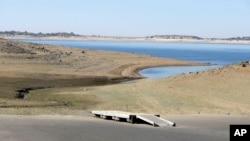 Una sequía de cuatro años ha obligado a varias ciudades de California invertir en plantas de desalinización.