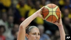 Diana Taurasi of USA, right, at World Basketball Championship in Czech Republic, 29 Sept 2010