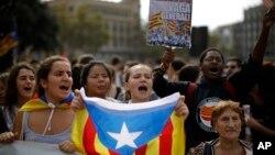 14일 스페인 바르셀로나에서 수감된 카탈루냐 정치지도자들을 지지하는 집회가 열렸다.