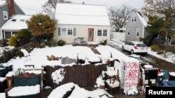 Snežni pokrivač u Point Plezentu, u Nju Džerziju, koji je pretrpeo veliku štetu tokom oluje Sendi