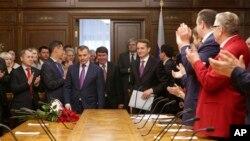 Российская госдума обсуждает судьбу Крыма