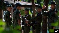 지난해 11월 미얀마 이라와디 파테인 육군 부대의 훈련병들. (자료사진)