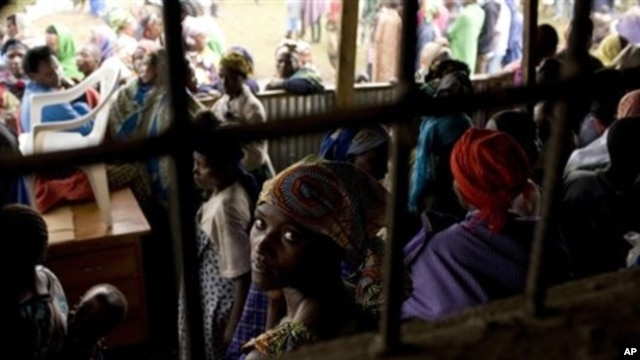 Some 5,000 Congolese refugees, displaced by fighting in Congo's North Kivu province, at Nkamira transit centre, Rwanda, May 5, 2012.