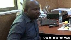 Brony Fortunat Ngoloali lors de sa libération à Brazzaville, au Congo, le 4 juin 2018. (VOA/Arsène Séverin)
