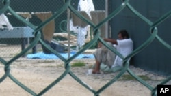 Según datos oficiales, en Guantánamo hay cerca de 200 detenidos sin ninguna protección legal. Este es el noveno detenido que fallece en la prisión desde el 2002.