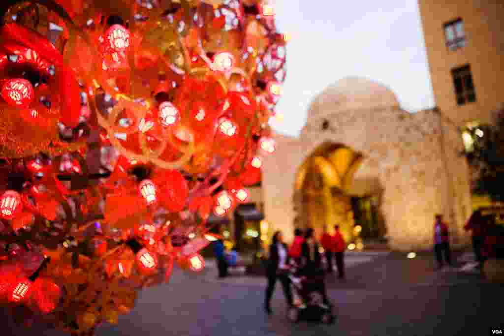 Christmas decorations outside the ancient tomb of a sheik in old Beirut. Lebanon, December 2012. (VOA/V.Undritz)