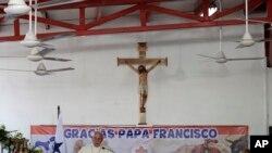 Poco después de oficiar una misa campal con la que cerró la Jornada Mundial de la Juventud, el papa se refirió a la crisis venezolana y al atentado en Colombia.
